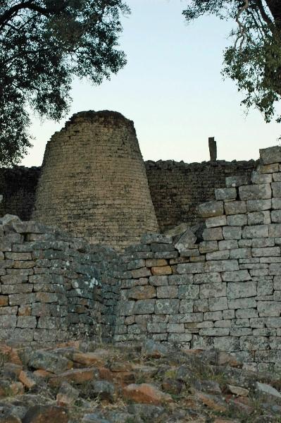 3-great-zimbabwe-tower