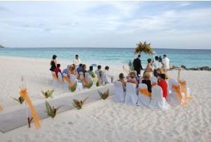 aruba the divi and tamarijn aruba extends wedding and