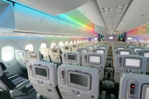 ANA_Boeing_787-8_Dreamliner_cabin_LED_show